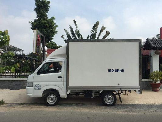 Suzuki 750Kg Thùng Kín Composite