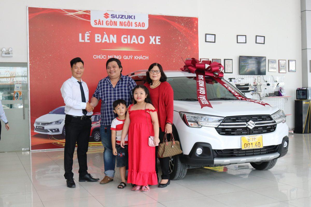 Anh Trần Hữu Tính đã chọn Suzuki XL7 Trắng